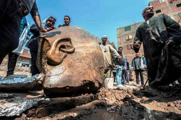 Colossus Probably Depicting Ramses II Found in Egypt