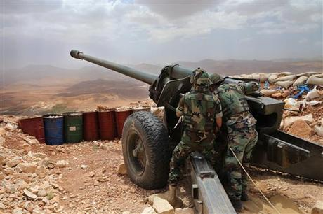 Army Shells Militant Posts in Arsal Outskirts amid IS-Nusra Clashes